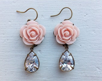 Clear Crystal Earrings/Swarovski Crystal Earrings/Pink Blush Earrings/Blush Pink Earrings/Gift For Her/Crystal Earrings/Flower Earrings