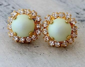 Mint pearl crystal stud earrings, Crystal Pastel mint Pearl stud earrings, Bridal earrings, Bridesmaid gifts, Powder green pearl studs