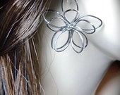Wire flower earrings - Sterling Silver earwires - Super Cute - Spring and Summer Fashion Jewelry - Birthday, Christmas, Anniversary, Gift