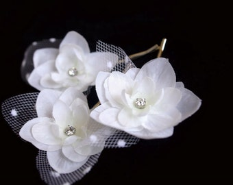 White Bridal Hair Pins, White Hydrangea Hair Clips, Bridal Hairpiece, Wedding Hair Accessory, Flower Bobby Pins, Polka Dot, Veil  - set of 3