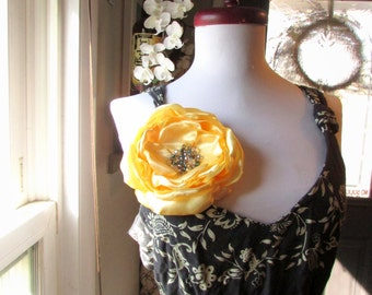 "6-7"" Extra Large Silk Flower Brooch, Big Flower Pin, oversized Large fabric Flower Broach, Womens Yellow Flower for Dress Brooches Beaded"