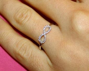 Infinity diamond ring, 18k white gold and VS-G diamonds infinity ring, Engagement ring