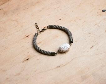 HELLAS White Howlite Bead Bracelet