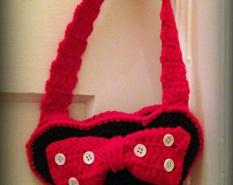 Minnie Mouse purse with strap