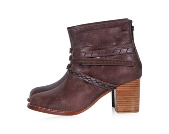 WANDERER. Brown leather booties / boho leather boots / cognac boots/ ankle leather boots. Sizes 35-43. Available in different leather colors