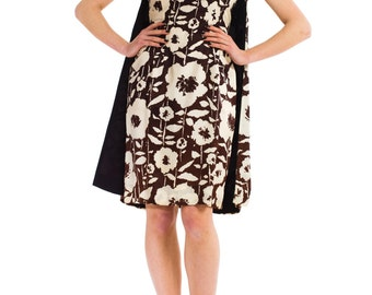 1960s Vintage Pop Art in Brown-and-White Dress with Capelet  Size: XS/S