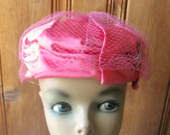 """Hot Pink Pillbox Hat - Vintage Satin Pill Box Cap - Mod Angular Formal Hat w/ Sparkling Accents - Ladies' Retro Millinery  - 21"""" Band Small"""