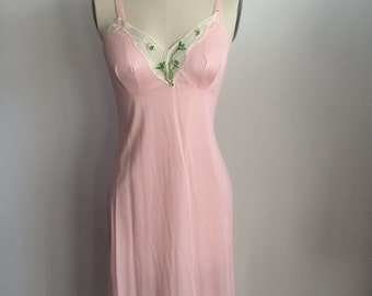 VTG Pale Pink Nightgown
