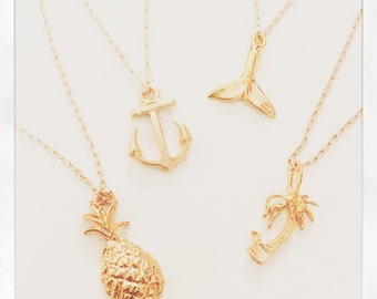 FREE SHIPPING/// 14k beach charm necklace