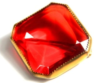 Red Glass Brooch Antique 1910 Brass Jewelry Early 20th Century Pin In Faceted Vibrant Red Crystal Glass Collectible Jewelry For Women