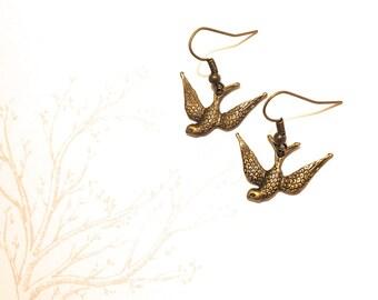 Handmade bronze tone bird swift loop earrings birds swallows treeswifts steampunk gothic