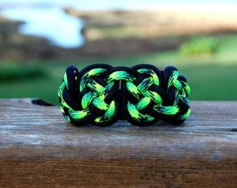 Celtic Eternity Knot Paracord Bracelet, Irish Bracelet, Celtic Bracelet Woven Bracelet St. Patrick's Day Gift, Christmas Gift For Her or Him
