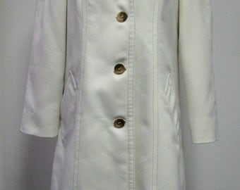 Retro Ivory Rain Trench Coat by London Fog Circa 1960's