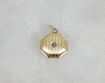 Small Antique Pendant With Diamond Center NLD2VR-D
