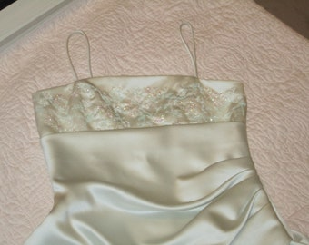 Ladies Small , Off White, Wedding / Party Dress