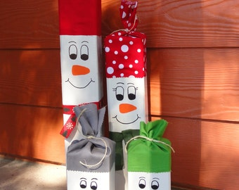 Wooden Snowmen Family with Hats and Scarves - Christmas Decor Wooden Snowmen - Holiday Decor Wooden Snowmen