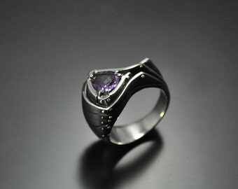 "Silver Industrial Ring ""Gaudeondum"" with Amethyst 