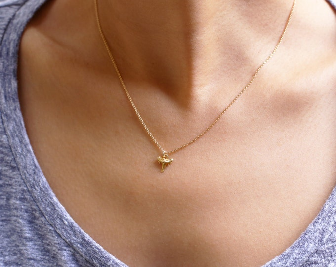Shark tooth Necklace - Tiny shark Tooth necklace in Gold filled and Sterling Silver  EN024