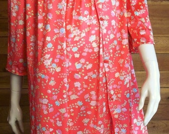 Vintage Lingerie VANITY FAIR Red Floral Nightgown and Robe Set Small Nylon