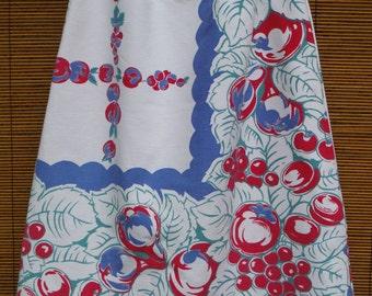 Size 5T Toddler Girls Skirt - Vintage Linens Boho Hippy 5T Girls Skirt - 5 Year Old Fruit Blue Red Girl Skirt - Vintage Printed Tablecloth