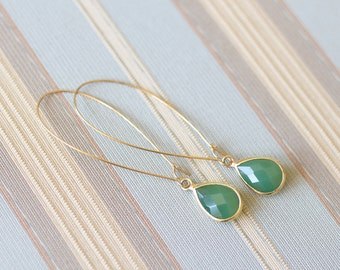 Gold Emerald Green Tear Drop Earrings