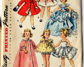 "Vintage Simplicity Printed Pattern 1336 - Wardrobe for 18"" Dolls"
