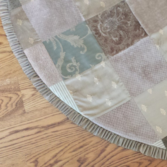 Quot patchwork christmas tree skirt in evergreen dark sage
