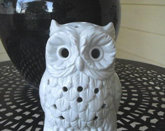 vintage owl shaped candle light holder, white, party light, garden home decor, porcelain figurine, animal figurine, collectible, gift,