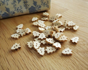 Pack of 40, wooden christmas tree buttons, 15mm at longest point, ideal for christmas crafts