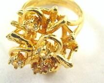 18kt HGE Espo Flower with Stones Ladies Ring