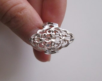 Sterling silver Vintage Carved ring, size 7