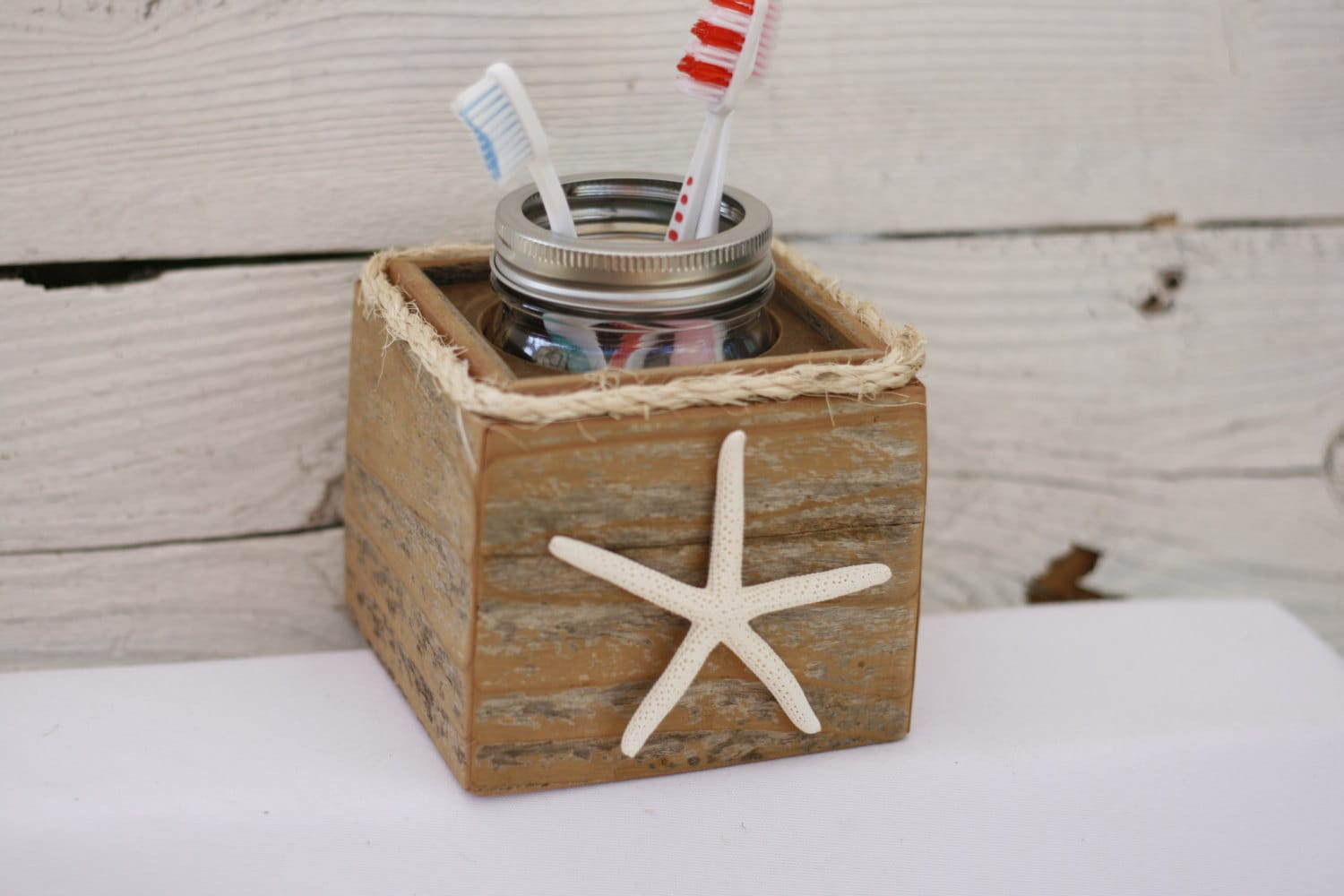 Toothbrush holder starfish rustic nautical beach ocean theme - Ocean themed bathroom accessories ...