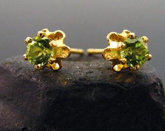 Peridot earings, green peridot earrings, studs with natural peridot 3,5 mm (gold filled), goldfilled studs