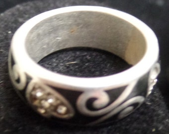 Sterling Silver ring with black  and silver heart art work size 9