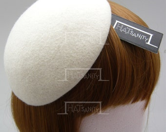 TRENDY x CUTE Fashion Plain Wool Felt Mini Beret Fascinator - Ivory