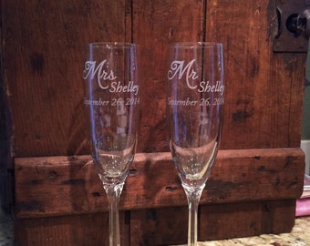 Champagne flutes, Toasting flutes, Personalized Wedding, Twisted Stem, wedding toasting glasses, wedding Champagne Flutes, Toasting flutes