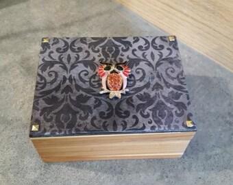 285 Decorative Box, Small Decorative Wood Box, Small Decoupage Trinket Box, small owl box, Decorative Owl Box, Owl Decor, Cute Owl Box!