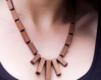 Necklace made of Walnut wood, 50 cm