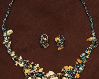 Bead set Wildlife (necklace and earrings)
