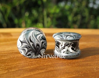"Batik Black & White Glass Plugs  2g 0g 00g 7/16"" 1/2"" 9/16"" 5/8"" 3/4"" 1"" 6.5 mm 8 mm 9.5 mm 10 mm 12 mm 14 mm 16 mm 18 mm 25 mm"