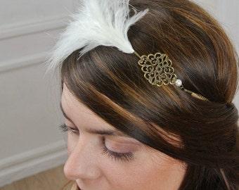 Feather headband retro jewellery. model roaring twenties, years 20. Wedding hair accessory.