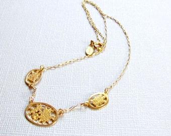Avon Gold Flower Necklace 1980's Book Piece