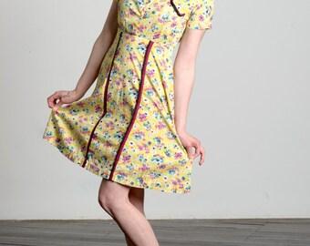 Vintage 1940s diner style waitress dress, feedsack, shirtwaist sundress, small