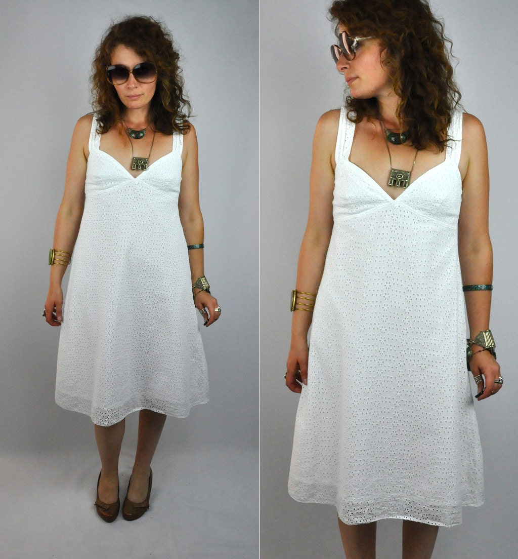 Vintage Wedding Dresses In London: BURBERRY London White EYELET Dress Vintage Wedding Bride