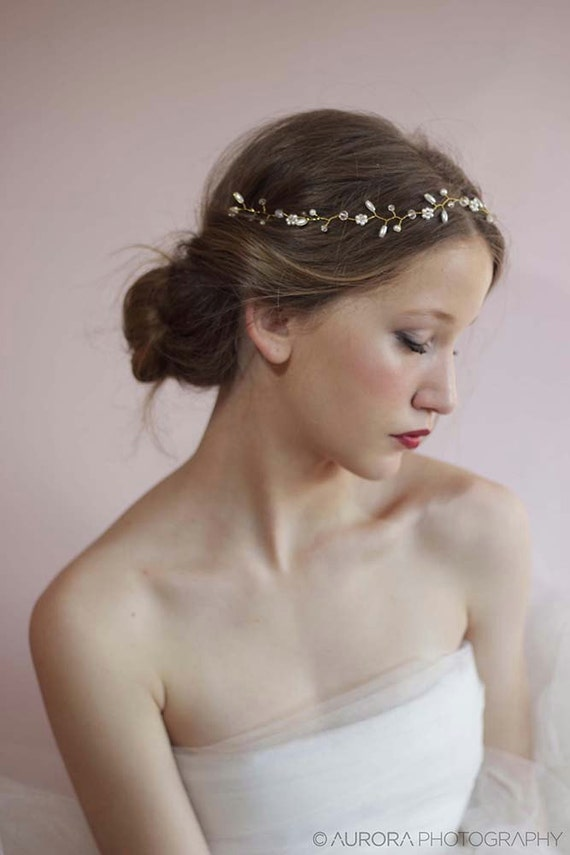 Wedding Hair Vine. A lovely and delicate bridal hair accessories made of countless tiny pearl flowers with pearls and crystal accents for your romantic perfect