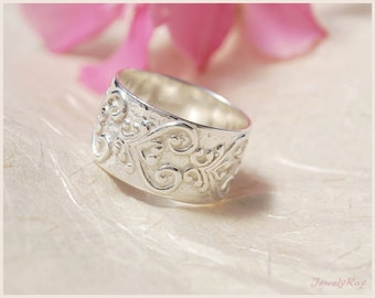 patterned ring , paisley ring , ON SALE , wide silver band ring , oriental ring , ethnic ring , unique silver ring , unique everyday ring