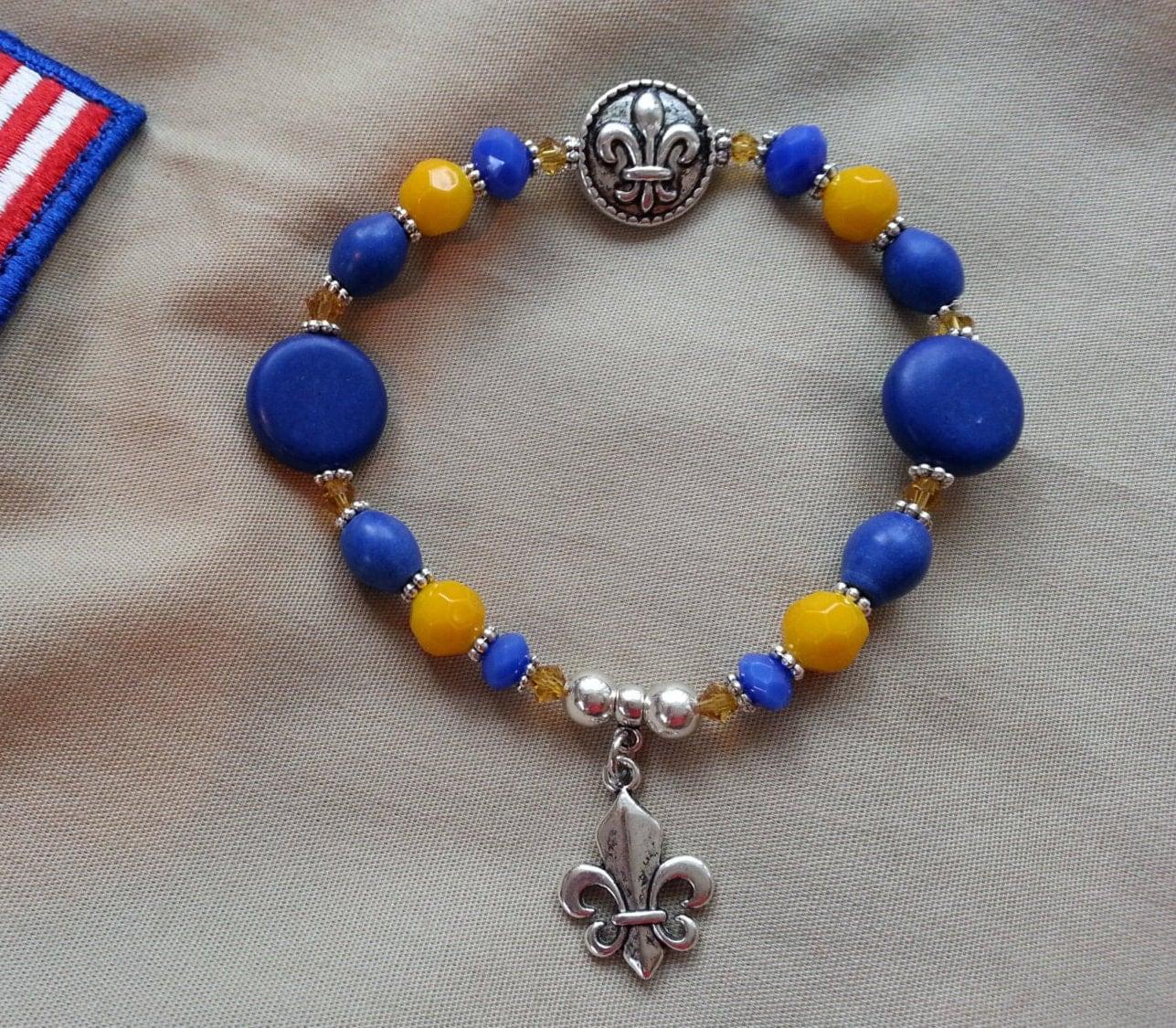 Fleur De Lis Charm Bracelet: Ladies' CUB SCOUT BRACELET With Fleur De Lis Charm