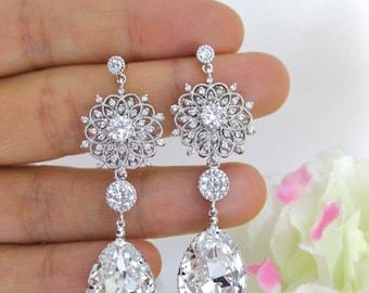 Clear White Crystal Bridal Earrings Wedding Jewelry Swarovski Crystal Teardrops Earrings Floral Styal Earrings Chandelier Earrings (E123)