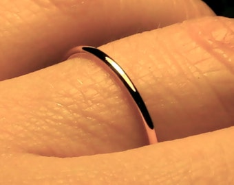 Simple Gold Wedding Band/ 1.5 mm wide/ Solid 14k YELLOW gold/ Handmade ring/ 1.5mm ring / fully round/ plain & simple/ Men band/ Women band