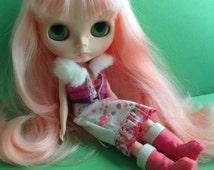 Adorable Blythe Boots, snow bunny boots, hot pink,  fashion doll apparel, Blythe / Barbie / My Scene accessories, egst, Greece
